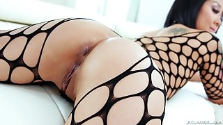 Asian MILF in fishnets Saya Song cum sprayed in a MMF threesome