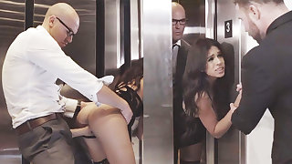 Two-faced GIRLFRIEND cuckold with her humungous-dicked prime in an elevator