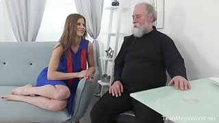 Lusty Czech gal Sarah Kay lures bearded sky pilot be required of clamminess sex