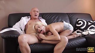 Blonde cutie Candee Licious wants to attempt hot sex with experience old man