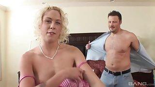 Amateur beauteous babe - first porn video