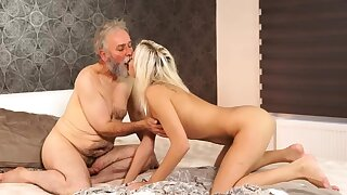 Old hairy pussy Surprise your girlpal together with she buttress screw